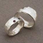 Smidda ringar, silver, rubin, Klara Eriksson.