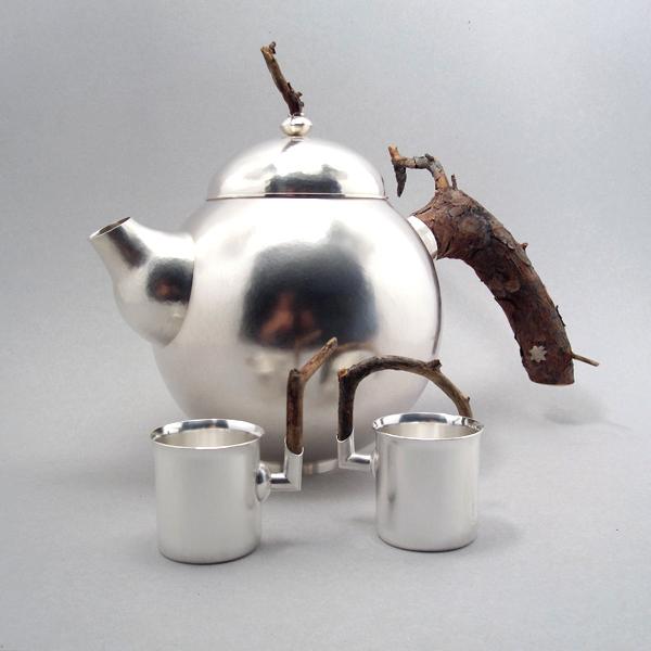 Tekanna, silver av Klara Eriksson.