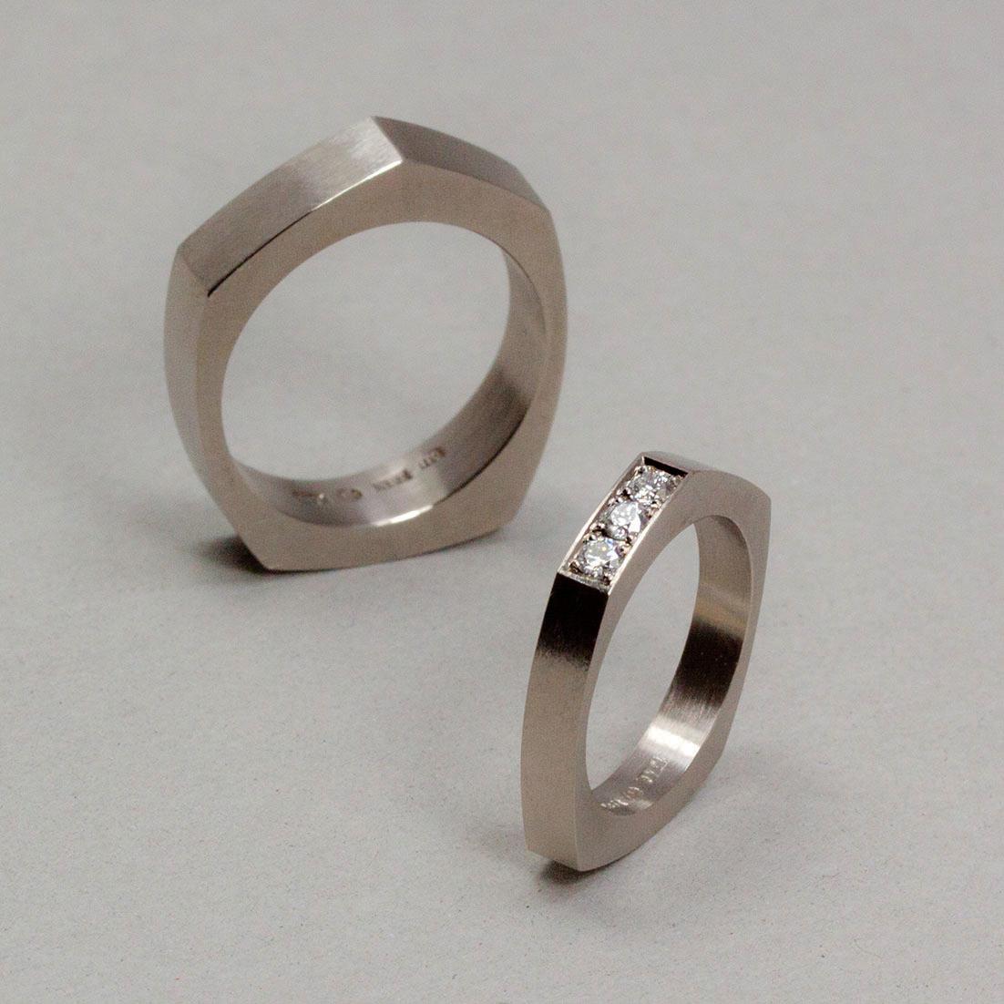 Asymmetriska ringar med fadenfattade diamanter. Petronella Erkisson. 052c00dc2d89b