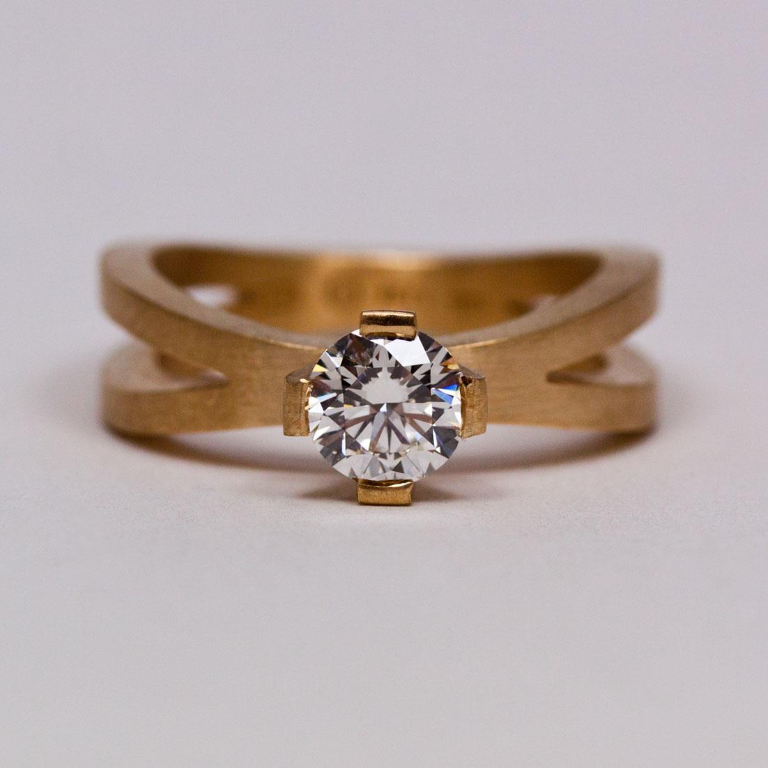 Vigselring med Etisk Diamant av Petronella Eriksson. c463e0130ffd6