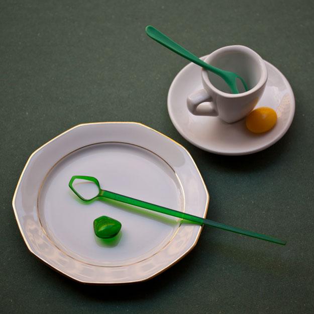 "Maki Okamoto Alm, ""Spoon Broch"" plast."