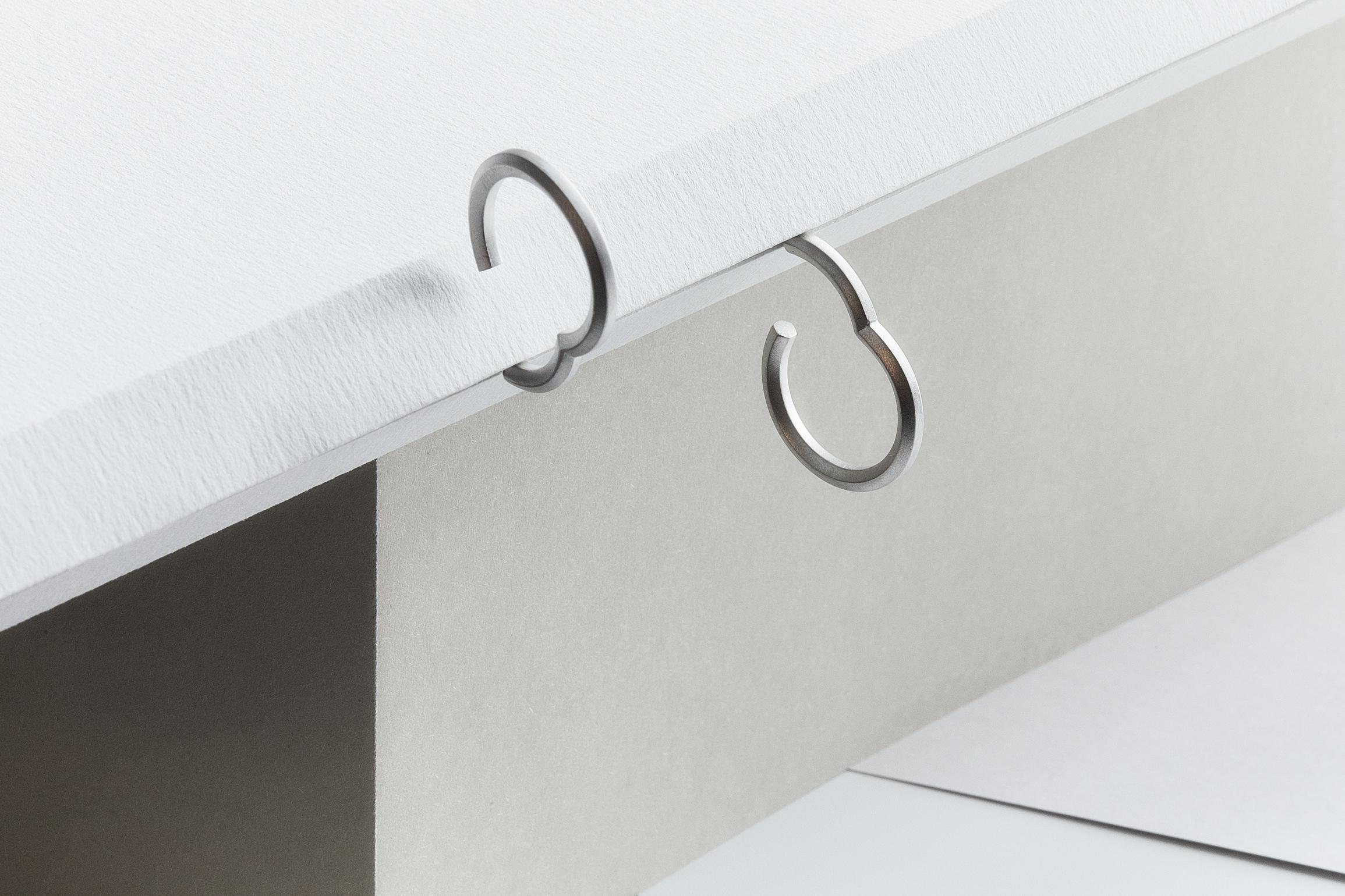 Makiami silverörhänge från Arch kollektion