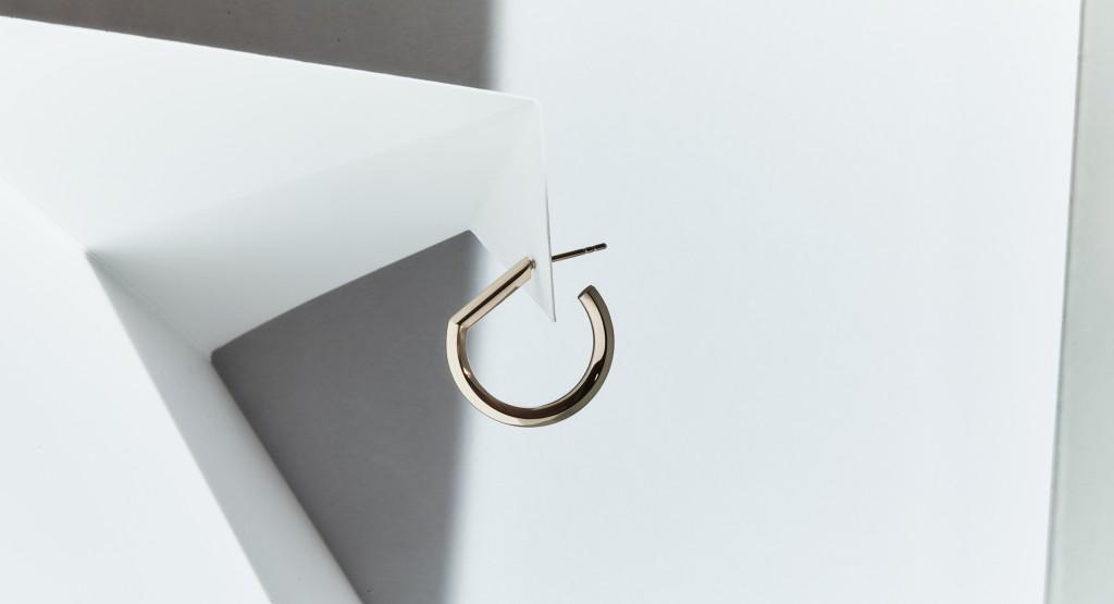 Makiami guldörhänge D från Arch kollektion