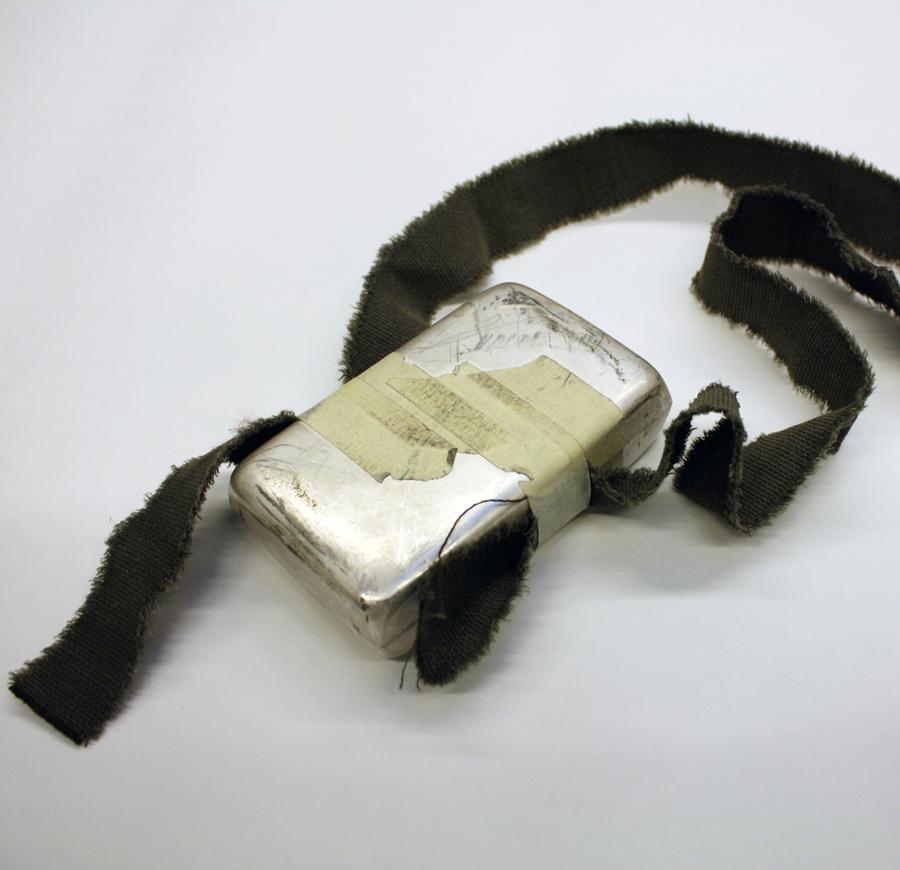 konst metall silver silversmide halsband ask skulptur