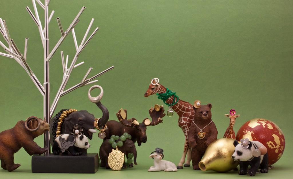 Smycken och föremål silver guld och ädla stenar från LODs smeder.
